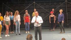 Hollande monte sur scène au festival d'Avignon (et c'est forcément très