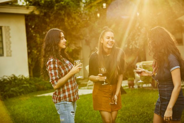 How To Avoid Feeling Awkward At Parties: Navigating
