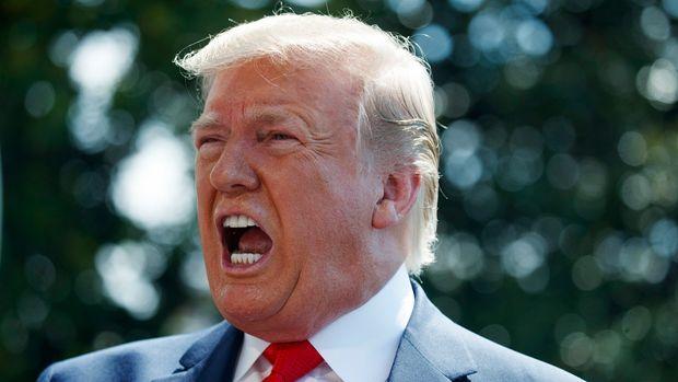 El presidente Donald Trump habla con los reporteros en la Casa Blanca el viernes 5 de julio de 2019, en Washington. (AP Foto/Evan Vucci)