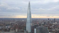 Ενας αληθινός Spiderman: Άνδρας σκαρφάλωσε ένα από τα υψηλότερα κτίρια στην Ευρώπη μόνο με τα χέρια