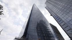 À Londres, un homme escalade «The Shard» à mains