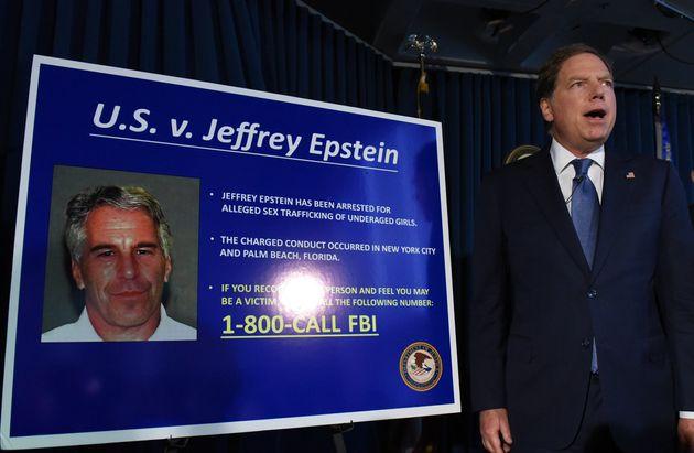 Geoffrey Berman annonçant les nouvelles charges retenues contre Jeffery Epstein, New York, 8 juillet