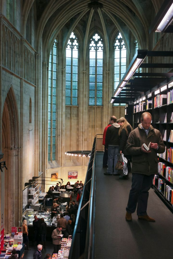 "The&nbsp;<a href=""http://www.selexyz.nl/winkel/38/selexyz-dominicanen"" target=""_blank"">Boekhandel Selexyz Dominicanen</a>&nbs"