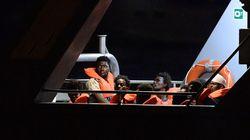 A Pozzallo 47 migranti soccorsi da motovedette italiane. Salvini alla Tunisia: