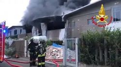 Azienda di rifiuti speciali nel Milanese: incendio domato e no picchi di sostanze