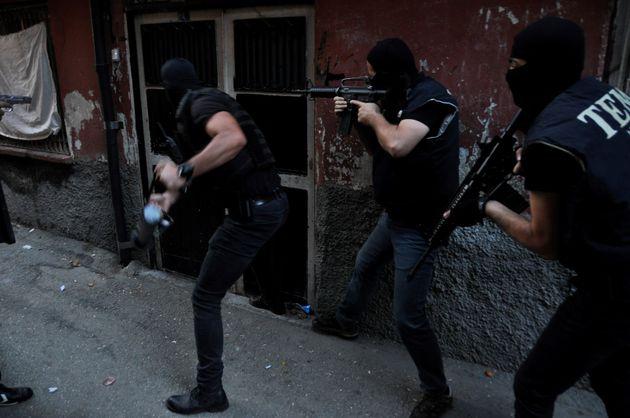 Τουρκία: Εντολή σύλληψης 176 στρατιωτικών για σχέσεις με το δίκτυο