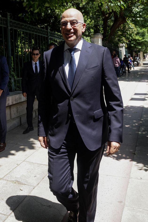 O υπουργός Εξωτερικών,...