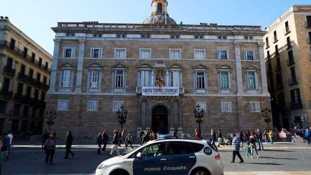 La Guardia Civil se persona en el Palau de la Generalitat y en otros