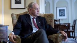 Jean Chretien Hospitalized In Hong Kong With Kidney