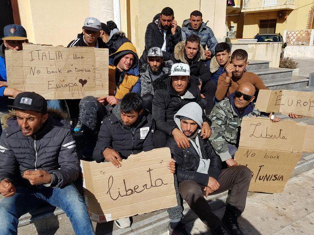 Salvini vuole chiudere la rotta tunisina. Ma Tunisi chiede aiuti