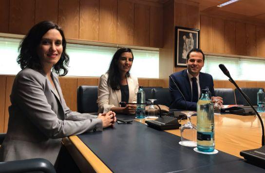 La foto que nunca quiso hacerse Ciudadanos: Aguado y Díaz-Ayuso negociando con