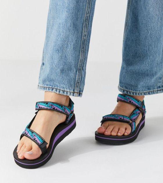 Sandales Teva 74$