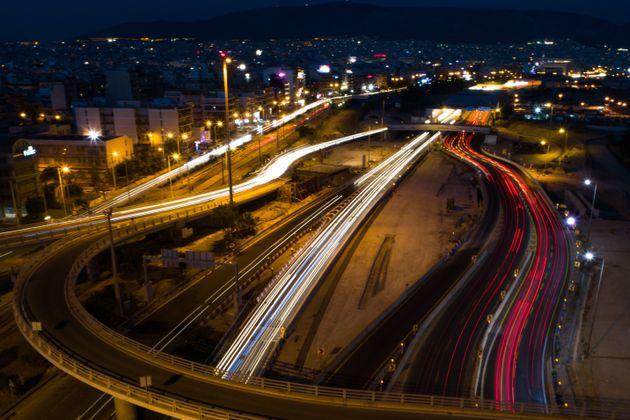 Καραμπόλα επτά οχημάτων στην Παραλιακή - Επικρατεί κυκλοφοριακό