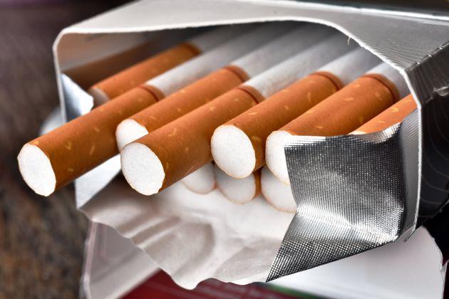 Ιταλία: Εβαλαν τη νεκρή σύζυγό του σε πακέτο τσιγάρων – Τώρα ζητά αποζημίωση 100 εκατ.