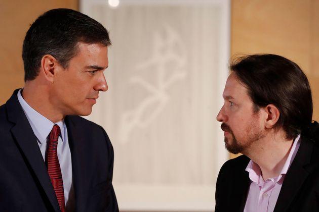 Un 26,4% de los españoles prefiere un Gobierno del PSOE en el que figure Podemos frente a un 20,2% de...
