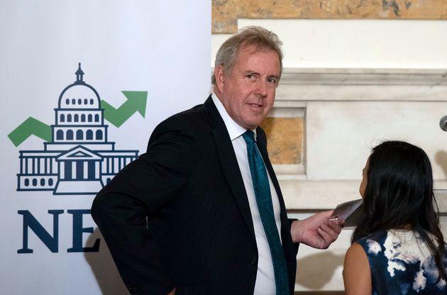 Παραίτηση του Βρετανού πρέσβη στις ΗΠΑ μετά τη διαρροή των επικριτικών για τον Τραμπ