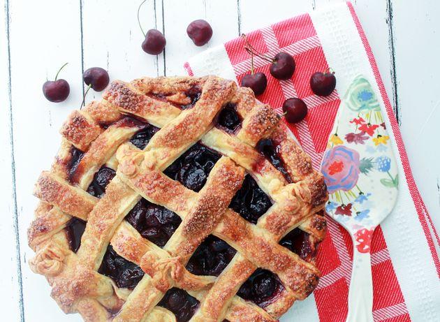 Como fazer um recheio de torta de cereja suculento e