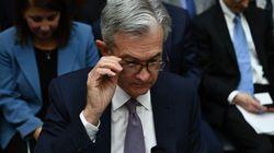 La Fed taglia i