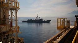 Πολεμικά πλοία και αεροσκάφη πλάι στα τουρκικά