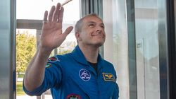 Hero's Welcome Home For Astronaut David