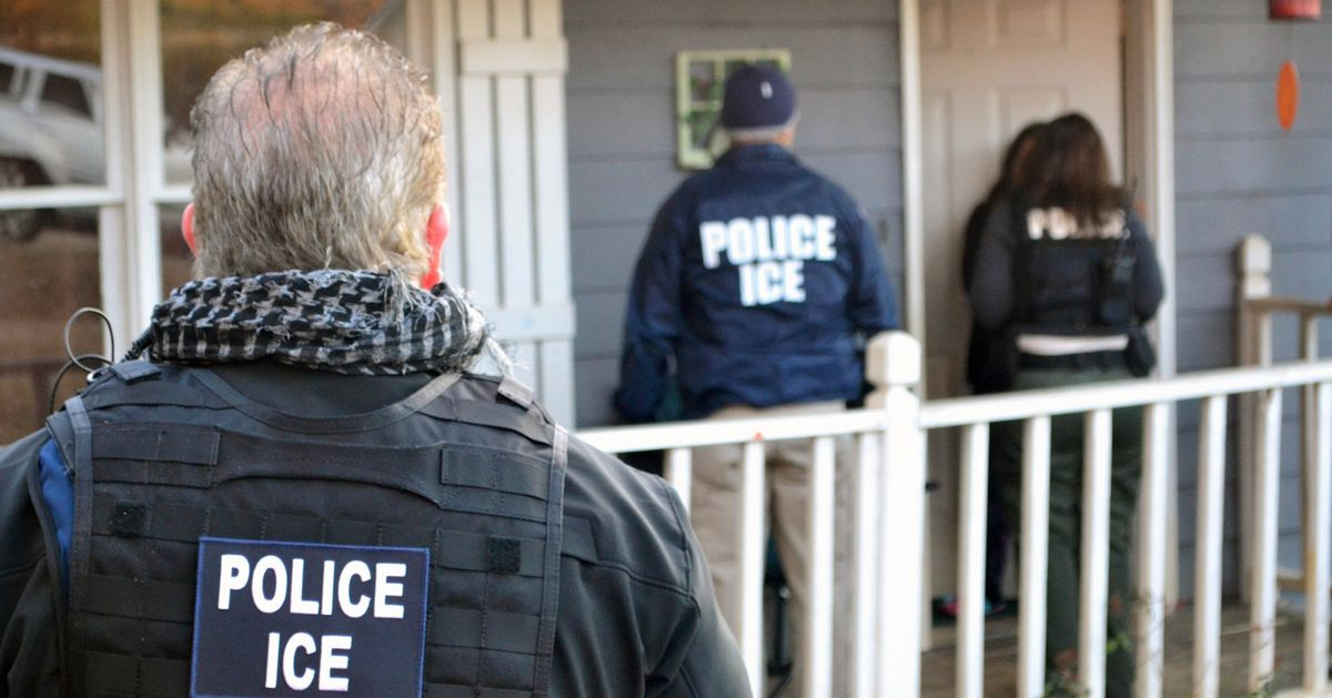 ICE Plans To Launch Nationwide Raids And Arrest Thousands This Weekend, NYT Reports thumbnail