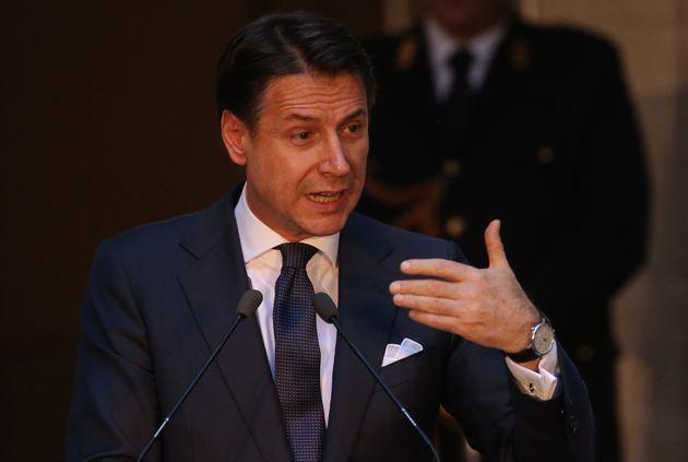 Conte avverte il Viminale sui migranti: