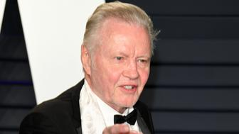 BEVERLY HILLS, CALIFORNIA - FEBRUARY 24: Jon Voight attends 2019 Vanity Fair Oscar Party Hosted By Radhika Jones - Arrivals at Wallis Annenberg Center for the Performing Arts on February 24, 2019 in Beverly Hills, California. (Photo by Daniele Venturelli/WireImage)