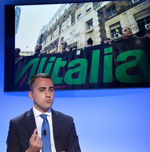 Di Maio si fermi su Alitalia, questa soluzione non può