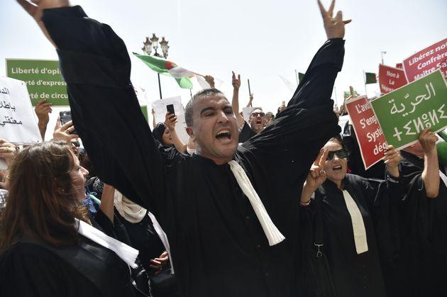 Les avocats marchent à Alger en solidarité avec les détenus