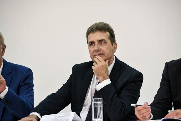 Ο Χρυσοχοΐδης «κόβει» τους αστυνομικούς των vip – Τέλος στις «στρατιές» των