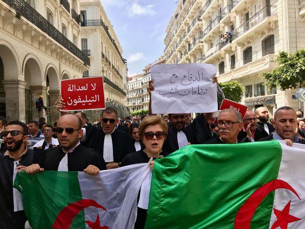 Sur la rue Abane Ramdane, les avocats répondent à Gaïd Salah:
