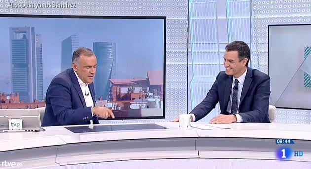 Sánchez propone un cambio en la Constitución para no bloquear