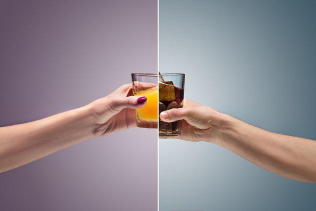 Um copo de Coca-Cola ou suco de laranja por dia aumenta o risco de câncer, diz