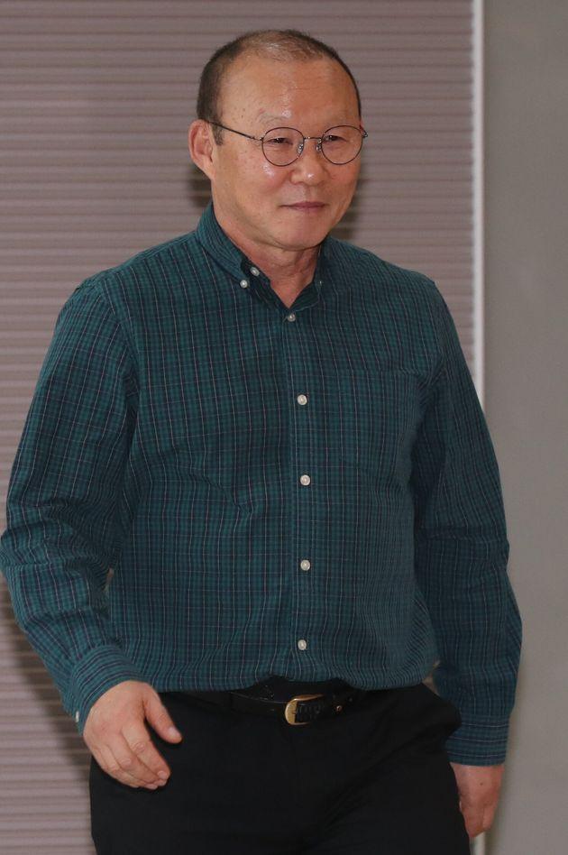 박항서 감독이 베트남축구협회와의 재계약 협상 중단을