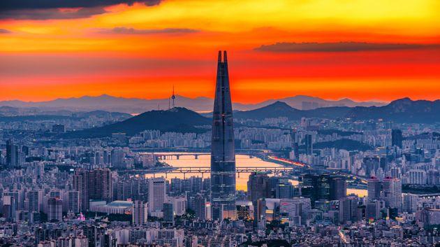 한국의 국가경쟁력이 2018년보다 한 단계 떨어진 28위를