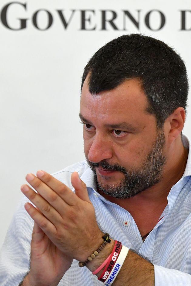 L'oro di Mosca nelle casse della Lega: dove sono i media? Salvini fa così