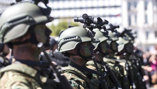 Οι αναγκαίες τομές στη στρατιωτική θητεία και στην εκπαίδευση των Ενόπλων