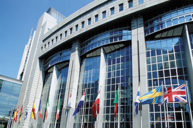 Ερώτηση Ευρωβουλευτών ΣΥΡΙΖΑ προς Κομισιόν για τις Υπερεξουσίες του πρωθυπουργού στα