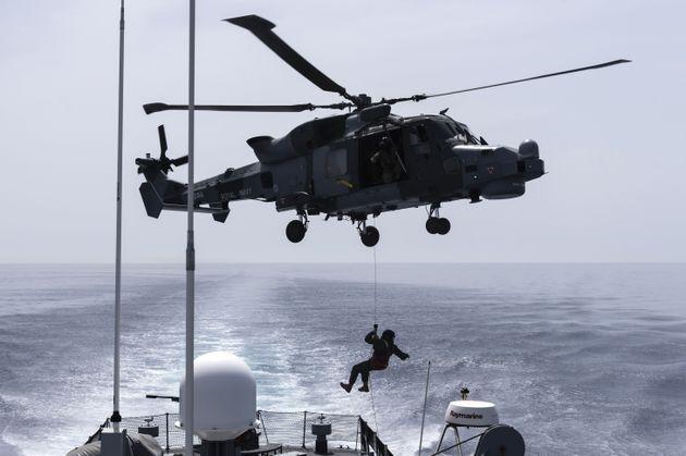 Londres envoie un deuxième navire de guerre dans le