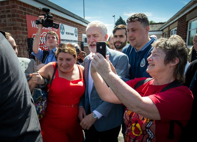 Jeremy Corbyn Hires Digital Officer To 'Organise And Nurture' Online Army Of
