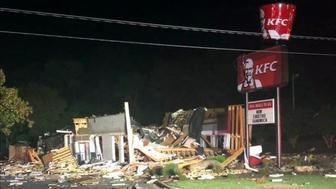 Esta foto proporcionada por la policía de Eden muestra los daños que una explosión causó en un restaurante KFC el jueves 11 de julio del 2019, en Eden, Carolina del Norte. (Subjefe Clint Simpson/Departmento de Policía de Eden via AP)