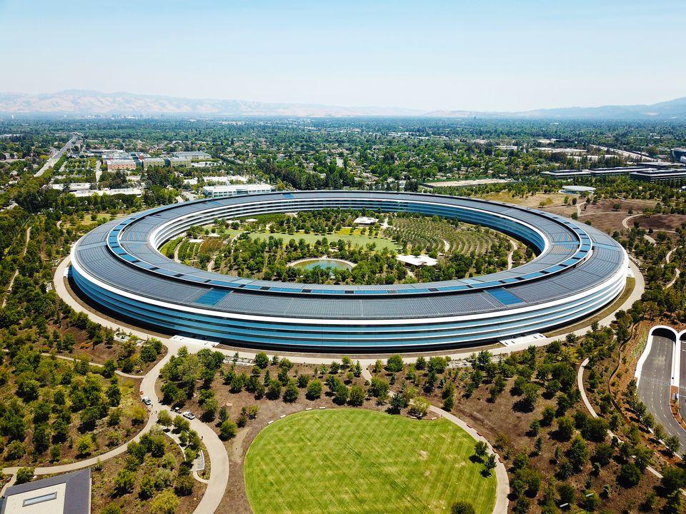 Τα κεντρικά γραφεία της Apple εκτιμούνται ως ένα από τα πιο ακριβά κτίρια στον