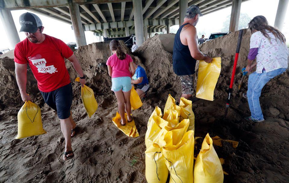 Ανακηρύχθηκε σε κατάσταση έκτακτης ανάγκης η Λουιζιάνα καθώς πλησιάζει ο τυφώνας