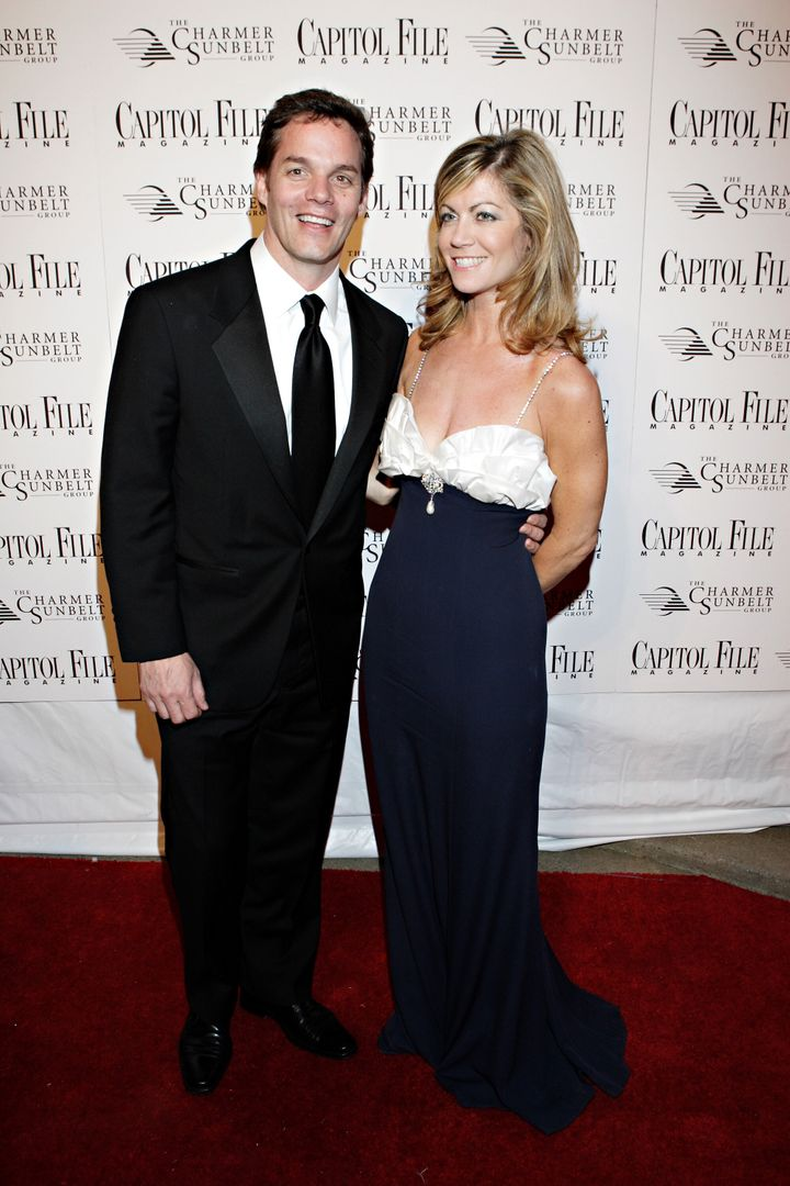 Laurie Luhn (right) with Bill Hemmer at the Capitol File Magazine and Charmer Sunbelt Host White House Correspondents' A