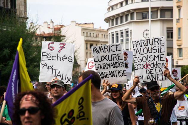 À Biarritz, un millier d'anti-G7 se mobilisent un mois et demi avant le
