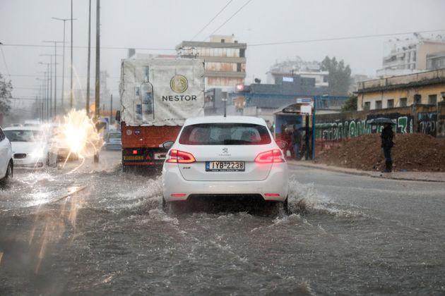 Προβλήματα από τις βροχές σε Αχαΐα και Αιτωλοακαρνανία. Πλημμύρες στη