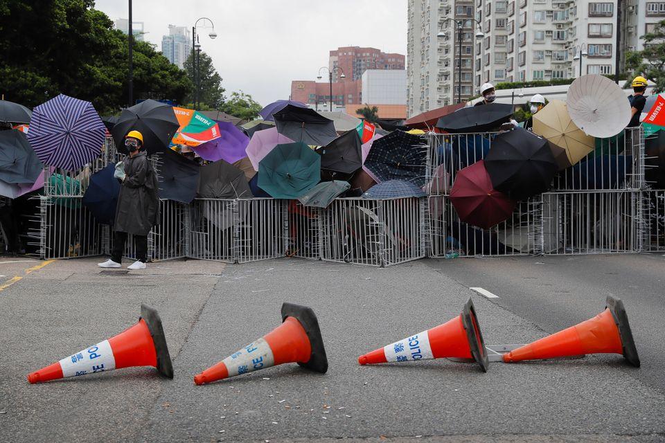 Νέες βίαιες συγκρούσεις διαδηλωτών – αστυνομίας στο Χονγκ