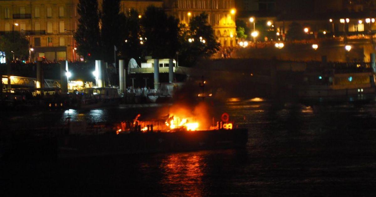 14 juillet: Le feu d'artifice à Bordeaux interrompu à cause d'un incendie