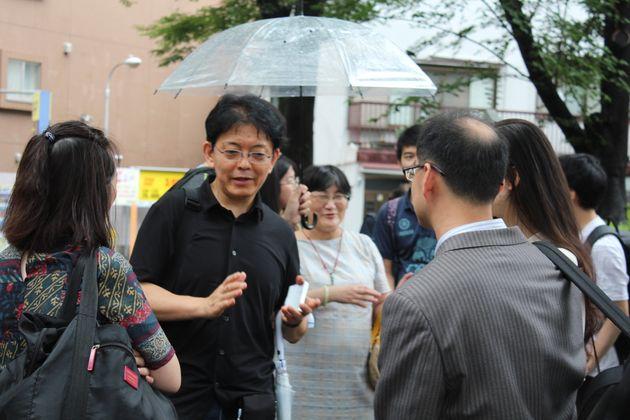 会話を楽しむ参加者たち