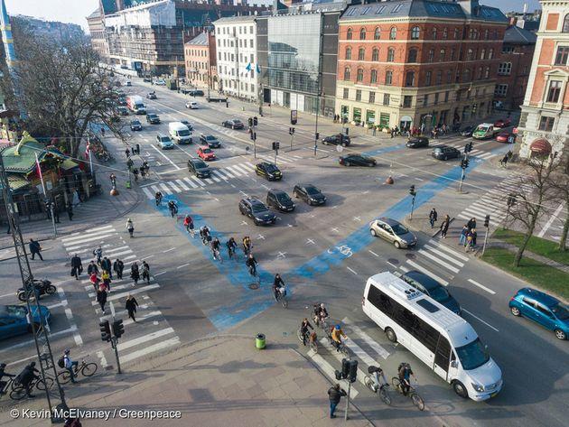 덴마크 코펜하겐 시내의 교통의 66%는 도보, 자전거, 대중교통으로